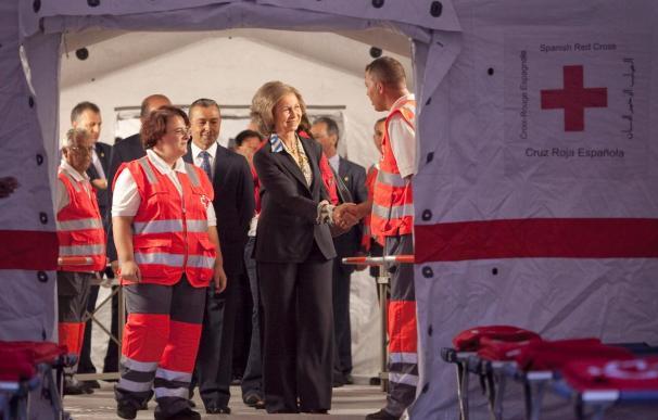 La Reina inaugura en Las Palmas el cuarto almacén mundial de la Cruz Roja