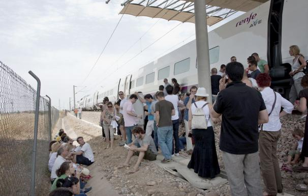 Cuatro trenes de alta velocidad Sevilla-Córdoba sufren retrasos por una avería