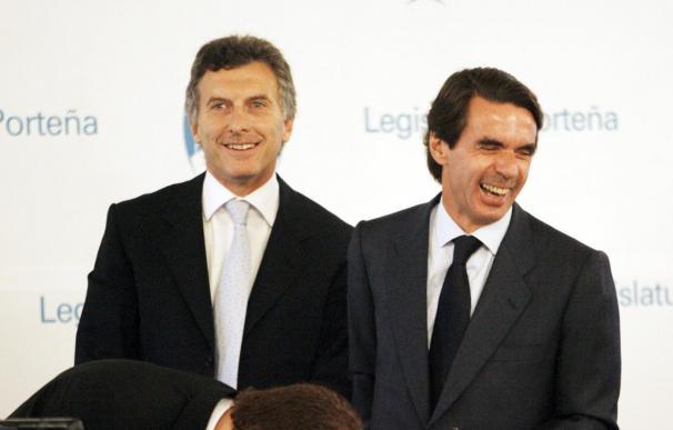 Aznar afirma que España puede salir de la crisis con una política diferente