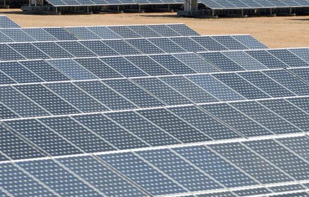 La CE apuesta por las energías solar, eólica y nuclear para reducir emisiones