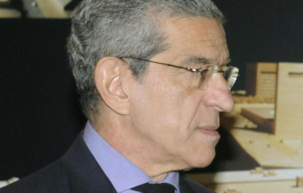 Medel dice que un adelanto electoral demoraría las medidas contra la crisis