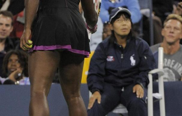 Serena Williams grita a la juez de línea durante el US Open | Efe