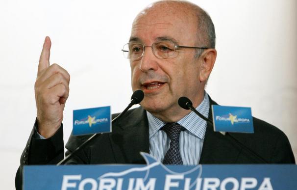 Almunia quiere seguir en Bruselas y no está abierto a volver a la política española