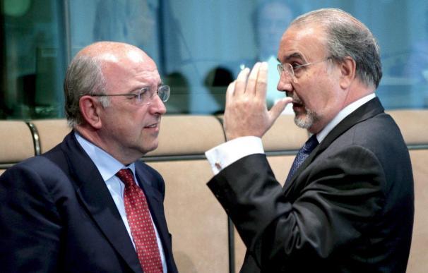 """Almunia asegura que """"este país le debe mucho a Solbes y se lo debe agradecer"""""""