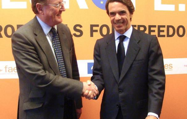 """Aznar dice que Obama comete un """"grave error"""" al abandonar el escudo antimisiles"""