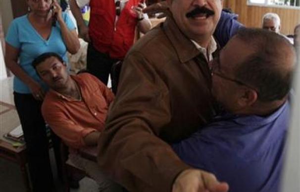 Zelaya vuelve a Honduras y se arriesga a ser detenido
