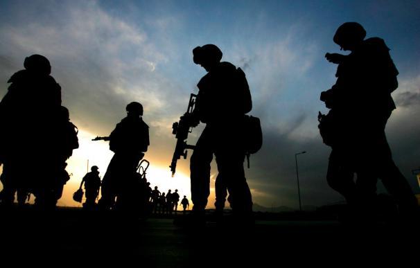 Mueren varios insurgentes y dos soldados en actos violentos en Afganistán