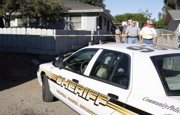 Policía busca a 12 personas implicadas en supuesta trama terrorista en EE.UU.