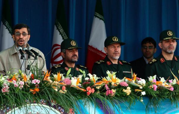 Ahmadineyad advierte a cualquier potencia de atreverse a pensar invadir Irán