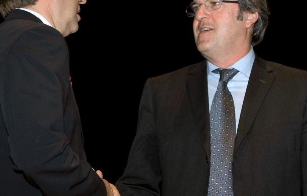 Gabilondo pide a Antich que no baje el presupuesto autonómico para educación