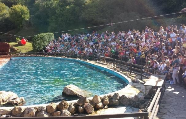 Más de 9.000 personas entran en Cabárceno y obligan a cerrar la taquilla