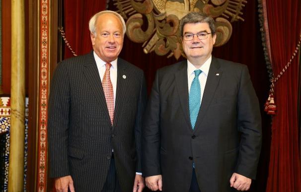 """Los alcaldes de Bilbao y Virginia Beach se reúnen en Bilbao para analizar """"campos de interés"""" comunes"""