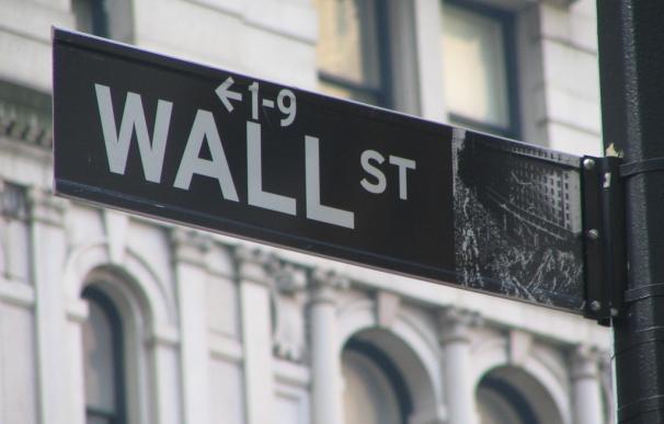 Wall Street vuelve a niveles récord gracias a la era Trump y el impulso del petróleo