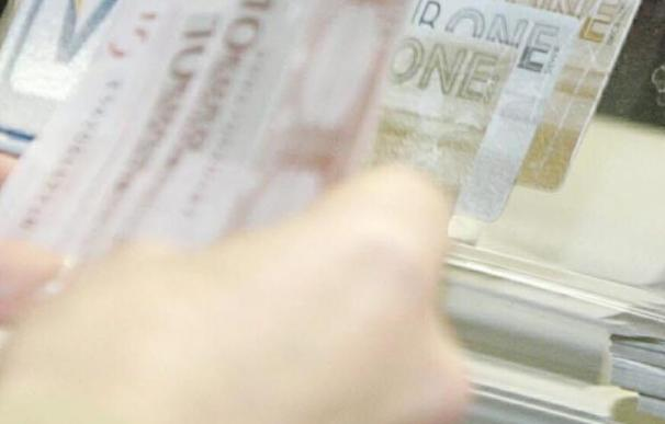 La prima de riesgo de España se mantiene estable en 222 puntos básicos