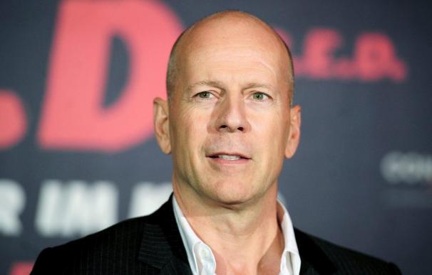 La acción de Bruce Willis compite en los cines con el romance de Witherspoon