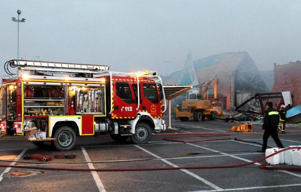 Desalojados 40 vecinos y 9 intoxicados leves en un incendio en Ciempozuelos