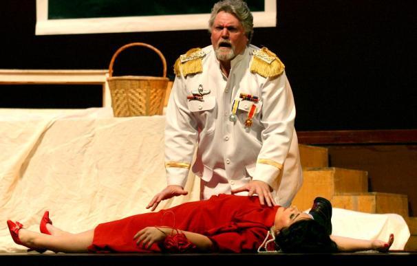 """La opera """"Tosca"""", con un toque goyesco y el tenor español Javier Agulló, se estrena en Bangkok"""