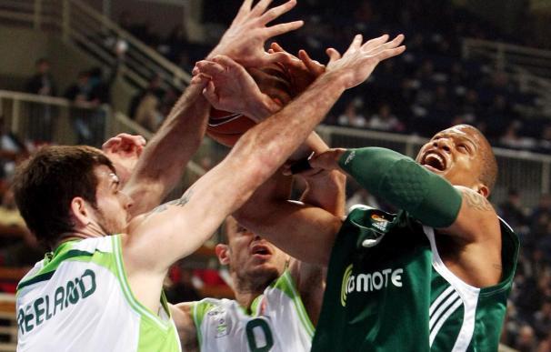 82-56. Unicaja sucumbe en Grecia y se complica la clasificación para cuartos