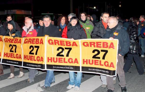 Se cumplen los servicios mínimos al inicio de la huelga en contra de la reforma de pensiones en el País Vasco