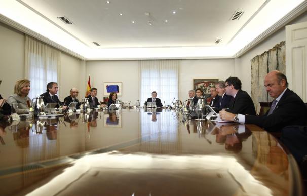 El Gobierno se aplica la subida de funcionarios y Rajoy ganará 65,81 euros más al mes