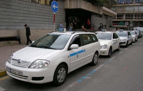 La Federación del Taxi se suma a los paros nacionales y convoca una manifestación en Santander el 26 de abril