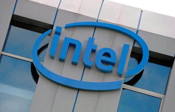 La Comisión Europea autoriza con condiciones la compra de McAfee por Intel