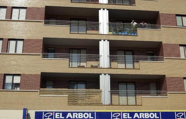 Una niña de 3 años de Constantí, muy grave al caer desde un cuarto piso