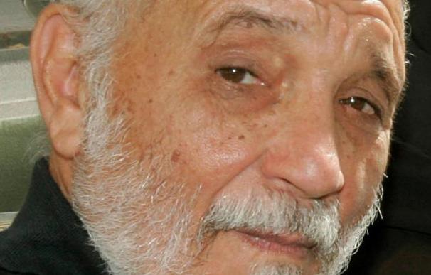 El poeta cubano Rafael Alcides, obtiene el Premio Bodegas Olarra -Café Bretón