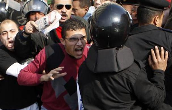 Miles de egipcios se manifiestan contra el Gobierno