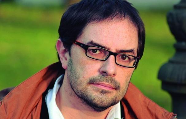 Gonzalo Barreñada se estrena en la poesía con 'Biografíes'