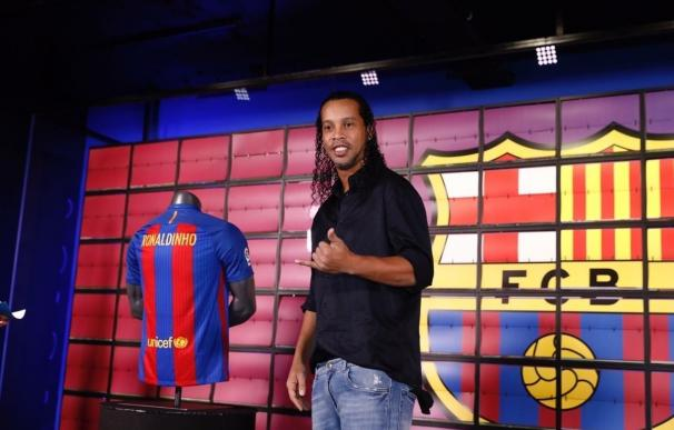 """Ronaldinho: """"Estoy orgulloso de haber formado parte del comienzo de la increíble historia de Messi"""""""