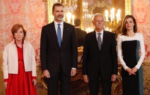 """El Rey defiende el español y la literatura en castellano: """"Hace sentirnos orgullosos de lo que fuimos y seremos"""""""