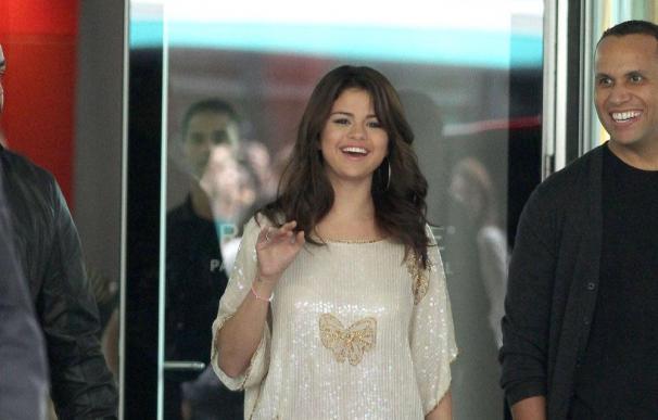 Selena Gomez olvida a Justin Bieber con Josh Hutcherson