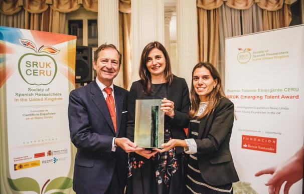 La investigadora Eva Hevia gana el Premio Talento Emergente 2016 de CERU y Fundación Banco Santander