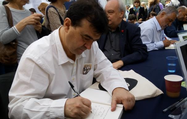 """Javier Cercas pide """"prisión preventiva para quien hable mal de Sant Jordi"""""""
