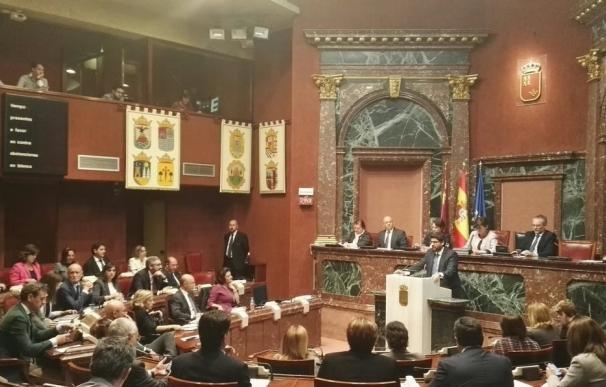 El Estatuto de Murcia será el tercero que reciba el Congreso esta legislatura, con el valenciano y el canario atascados