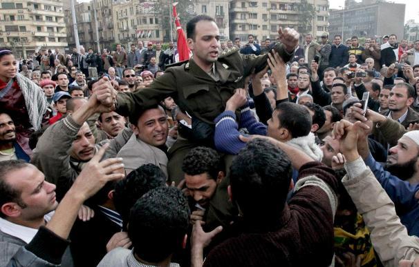 """Hillary Clinton pide una transición a """"una democracia real"""" en Egipto"""
