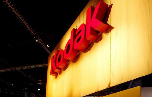 Kodak pone en venta su servicio para compartir fotos en internet, según WSJ