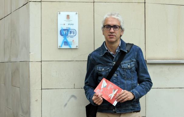 El PSOE critica que la Feria del Libro de Almería se celebra sin conexión gratuita a Internet por wifi