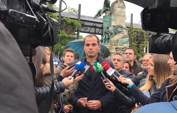 Aguado apoyará la comisión de estudio de Podemos sobre el proceso de concesión del tren de Móstoles-Navalcarnero