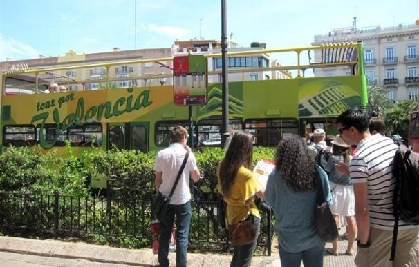 València y la playa de El Arenal (Alicante) son los destinos más económicos para viajar en el puente de mayo