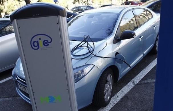 El PSPV pide al Gobierno que fomente los puntos de recarga para coches eléctricos