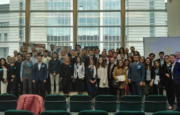 Un total de 25 jóvenes realizan ya prácticas laborales en Bruselas a través de las becas Talentium