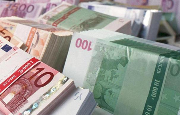 El Tesoro coloca 2.244 millones de euros en letras y baja el interés