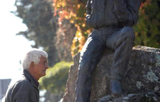"""El toreo rinde pleitesía al último """"maletilla"""", el octogenario Conrado Abad"""
