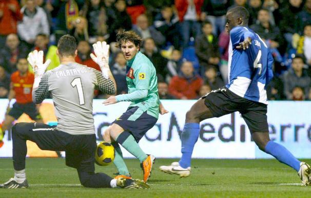 0-3. El Barcelona se venga del Hércules y suma decimoquinto triunfo consecutivo