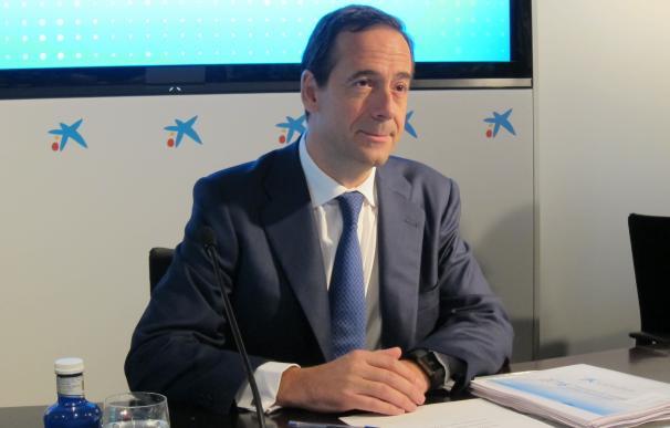 Gortázar dice que Caixabank aprovecha oportunidades para reforzarse y marcar distancia con sus competidores