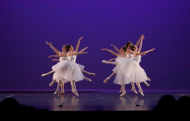 Alumnos del Conservatorio Municipal exhiben su talento en el Día Internacional de la Danza