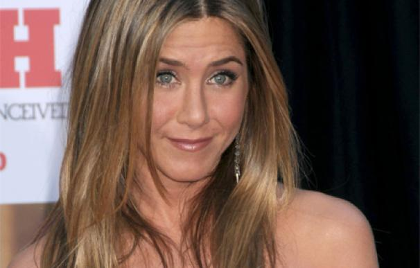 El secreto de belleza de Jennifer Aniston: el agua