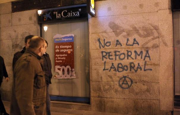 Ocho policías heridos leves en una manifestación contra la reforma en Madrid